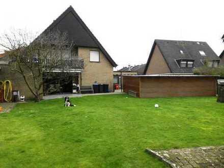 IMMOKONZEPT-NIEDERRHEIN: 3 Wohneinheiten + Gewerbe vermietet !!, großes Grundstück, 3 Garagen usw...