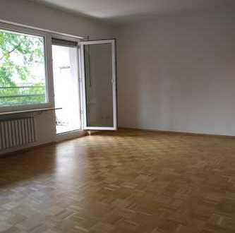 ++Wunderschöne 4 ZKB++ großer Südbalkon++renoviert++ruhige Wohnlage
