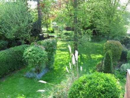 Großenbaum: helles, sehr gepflegtes und modernisiertes Reihenendhaus mit wunderschönem Garten
