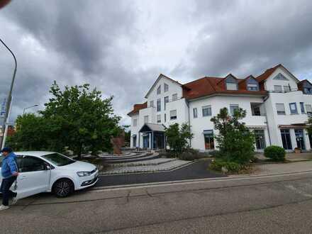 Schöne 2-Raum-DG-Wohnung mit EBK und Balkon in Sondernheim