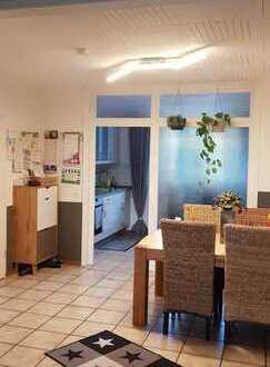 Gepflegte 4-Zimmer-Wohnung mit Balkon in Moers-Scherpenberg