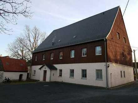 Schöne, geräumige zwei Zimmer Wohnung in Mittelsachsen (Kreis), Weißenborn OT Berthelsdorf
