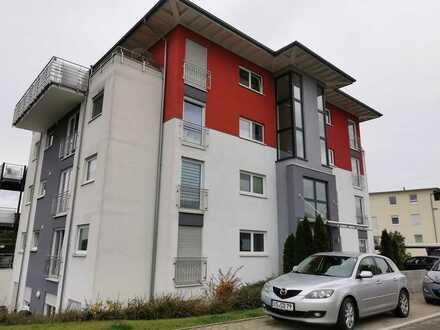 Schöne 3-Zimmer-Penthouse-Wohnung mit Balkon, Terasse und EBK in Hüfingen