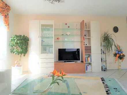 +++Individuelle & Gemütliche 2-Zimmer Wohnung mit Dachterrasse in sehr guter Lage++++++
