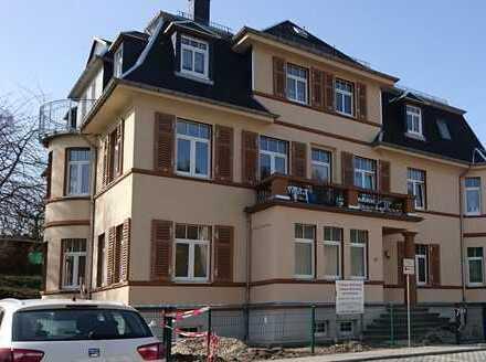 3-Raum-Dachgeschoßwohnung in sanierter Villa