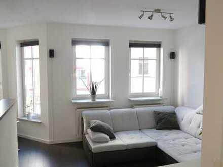 Wohnen im Zentrum von Coburg - Renovierte 2-Zimmerwohnung in Top-Lage mit Einbauküche und Balkon