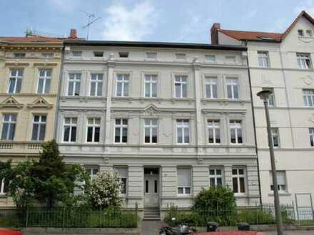 Ruhige, WG-geeignete, großzügige Wohnung mit Balkon in Stendals Altstadt provisionsfrei zu vermieten