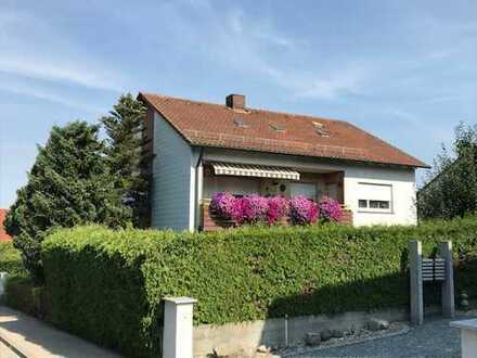 Zweifamilienhaus in bester Lage in Pfuhl am Kapellenberg