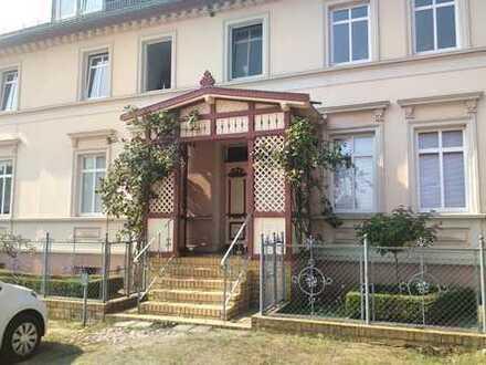 Endlich zuhause: Großzügige Wohnung mit eigenem Eingang und Veranda in typischem Großbauernwohnhaus!