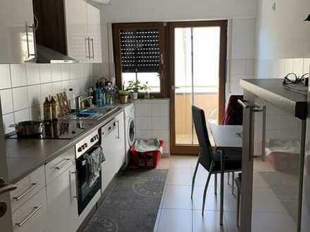Sanierte Wohnung mit drei Zimmern und Balkon in Pforzheim-Nordstadt