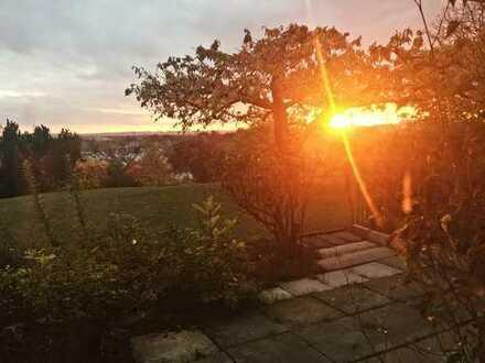 HELLE gepflegte 2,5-Zimmer-Terrassenwohnung mit Einbauküche in Ostfildern. TOP LAGE + Aussicht