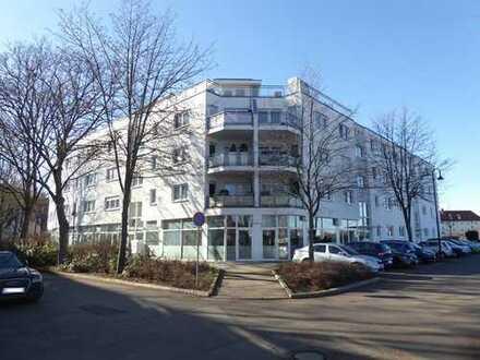 großzügige Erdgeschosswohnung in ruhiger Lage an der Ecke Bebelstraße/Dortmunder Straße