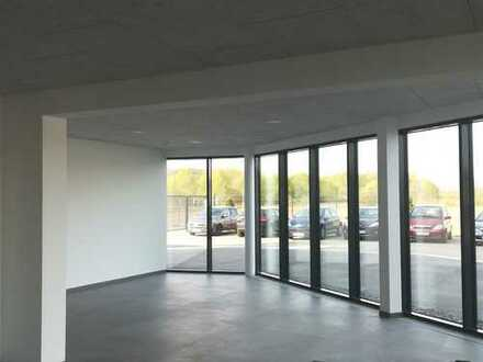 Frisch renovierte Büroflächen provisionsfrei zu vermieten