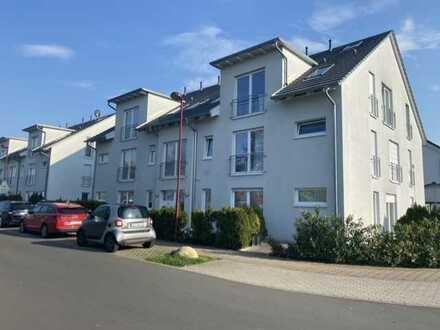 Schicke, helle 3 Zimmer-Dachgeschoßwohnung mit großem Balkon