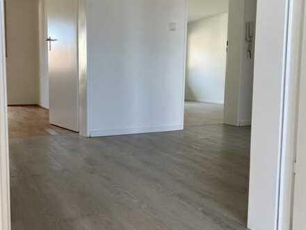 Exklusive, vollständig renovierte 3-Zimmer-Wohnung mit Balkon in Plieningen