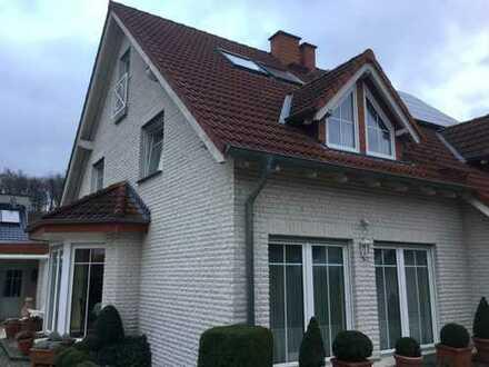 RESERVIERT: Top gepflegte Doppelhaushälfte