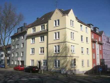Großzügig geschnittene, helle, lichtduchflutete, Erdgeschoßwohnung, 3 Zimmer KDB in Essen Kray-Süd