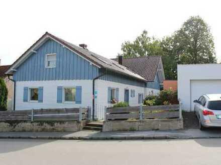 Schönes 2 Familienhaus mit Garten und Blick auf Donau und Flugplatz