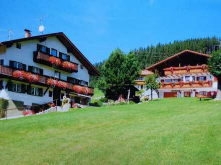 Nimm' 2..im Paket: Pension mit Mehrfamilienhaus in Traumlage von Jungholz