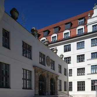 cosy Dachgeschoss-Galeriewohnung - Yoo by Starck - mit Concierge und Spa