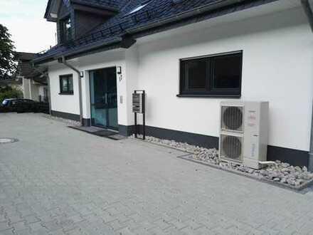 Schöne, geräumige drei Zimmer Wohnung in Siegen-Wittgenstein (Kreis), Netphen.