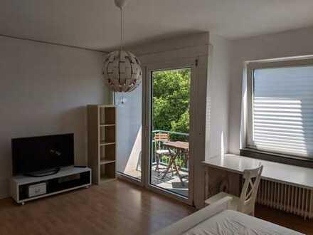 Schöne, unmöbilierte ein Zimmer Wohnung in Wiesbaden, Mitte