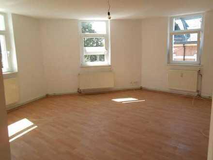 Renovierte Wohnungen 2 bis 2,5 Zi.-Kaltmieten ab 225 bis 275 evt. mit Balkon