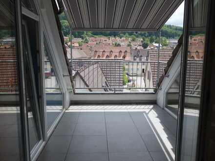 Modernisierte 4,5-Zimmer-Dachgeschosswohnung mit Balkon und EBK in Kandern