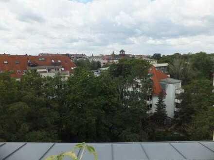 Elegante 4-Zimmer-DG-Mais.-Wohnung mit Balkon, Dachterrasse, Aufzug in ruhiger, grüner Lage