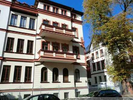 Herrschaftliche Altbauwohnung mit Sauna, Einbauküche und 2 Balkonen im 2. OG