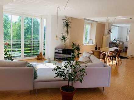 Gepflegte 4-Raum-DG-Wohnung mit Balkon in Wangen im Allgäu