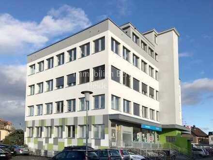 400 m² Büro- oder Praxisfläche in gut einsehbarer Lage!