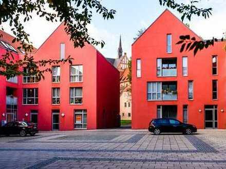 Moderne und helle Büro- oder Praxisfläche in der Altstadt zu vermieten.-