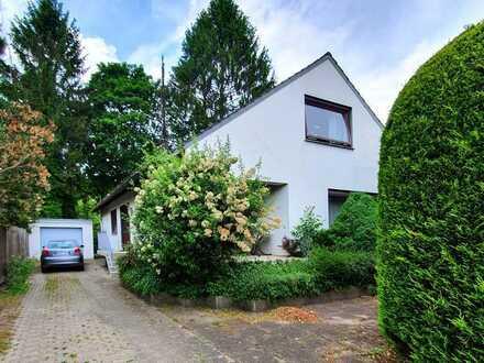 *RESERVIERT* Solides 2-Parteienhaus in Oberneuland