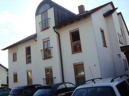 Modernisierte 3-Zimmer-Wohnung mit EBK in Bachgaustraße 11. 63853 Mömlingen