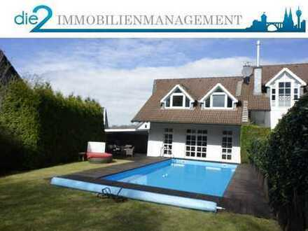Helles und modernes Architektenhaus mit Kamin, Pool, EBK und Garage an der Grenze von Leichlingen!