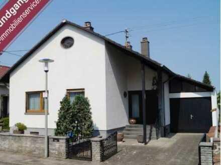 Schönes, geräumiges Haus mit vier Zimmern in Karlsruhe, Neureut