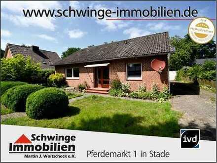 SCHWINGE IMMOBILIEN Stade: Feines Familienhaus in ruhiger Seitenstraße.