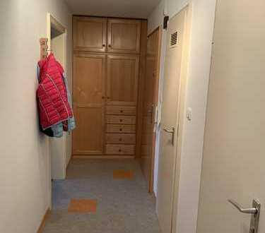 Schöne möblierte 3-Zimmer-Wohnung mit Balkon und EBK in Aubing, München