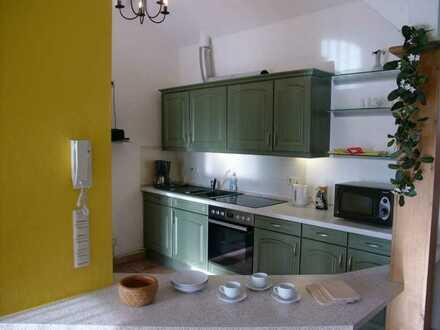 Stilvolle, modernisierte 3-Zimmer-Wohnung mit Balkon und Einbauküche in Landsberg am Lech