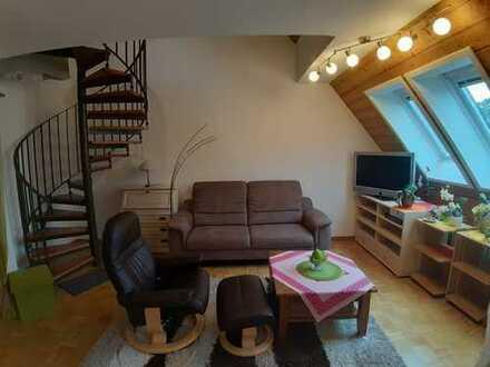 Stilvolle, helle und großzügige 4,5 Zimmer Maisonette-Wohnung in zentraler und trotzdem ruhiger Lage