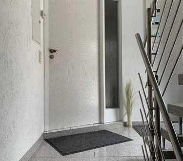 Sehr gepflegte 4,5 -Zimmer-Wohnung mit großem Balkon in Eislingen/Fils Süd