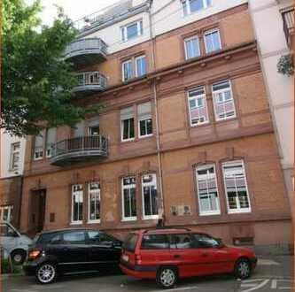 TOP-LAGE in R7/24! Moderne sowie geräumige Stadt-Wohnung mit großem Balkon!