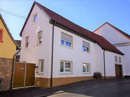 Zwei Häuser mit Ausbaupotenzial