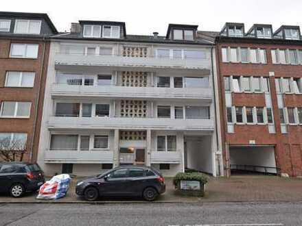 2-Zimmer-Wohnung, frei lieferbar, eigener Stellplatz, 3 Gehminuten zur U-/S-Bahn Wandsbeker Chaussee