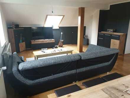 Ruhige 2,5-Zi-DG-Wohnung mit EBK in Bubesheim