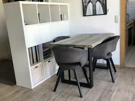 Lust auf eine echte Wohnung? Helle 1-Zimmer Wohnung mit separater Einbauküche in Freiburg