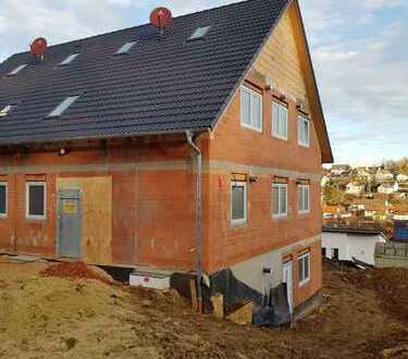 Neubau DHH mit Einliegerwohnung und toller Fernsicht als Ausbauhaus oder auf Wunsch schlüsselfertig