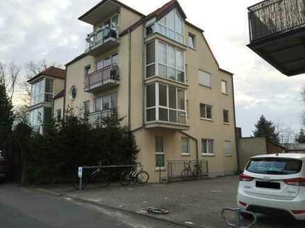 Ruhige schöne Zweizimmerwohnung mit Balkon in Altglienicke