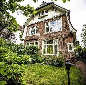 Schöne drei Zimmer Wohnung in Hamburg, Klein Borstel in einer Altbauvilla im 1 OG